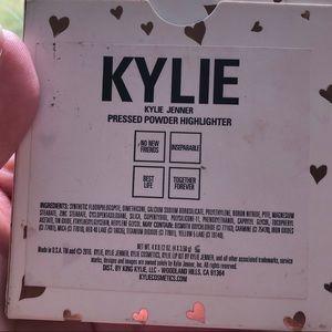 Kylie Cosmetics Makeup - kylie cosmetics highlighter palette